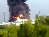 Взрыв резервуара с нефтью объёмом 20 тысяч кубических метров